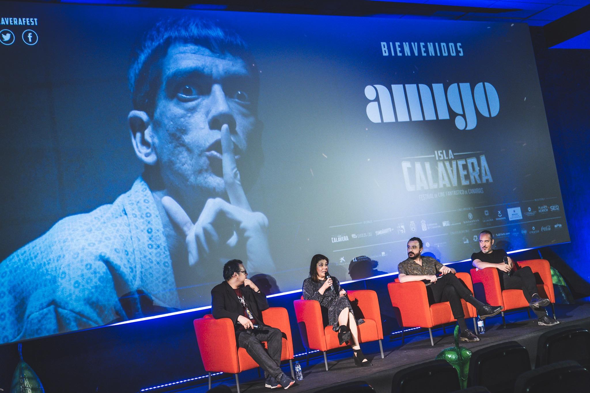 Charla post screening de 'Amigo'.