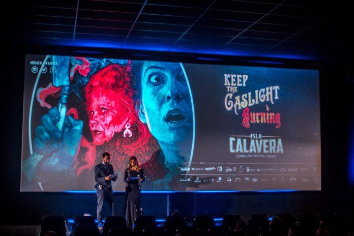 Momento de la Gala de Apertura del Festival Isla Calavera 2018, en la que se proyectó el cortometraje 'Keep the gaslight burning', protagonizado por Rick Baker, quien este año visitará Tenerife para recoger un premio honorífico.
