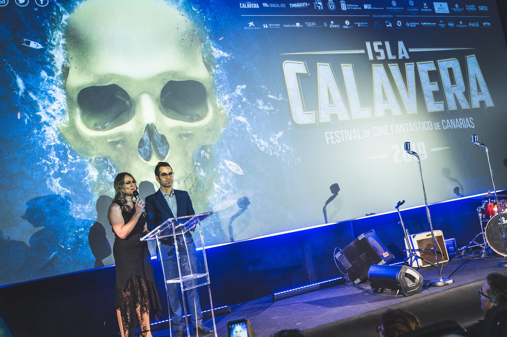 Presentadores de la Gala de Clausura del Festival Isla Calavera 2019, Vanesa Bocanegra y Miguel Ángel Rodríguez Villar.